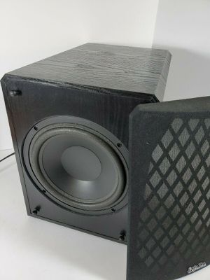 Photo Definitive Technology 700 Watt 10 Inch Powered Subwoofer