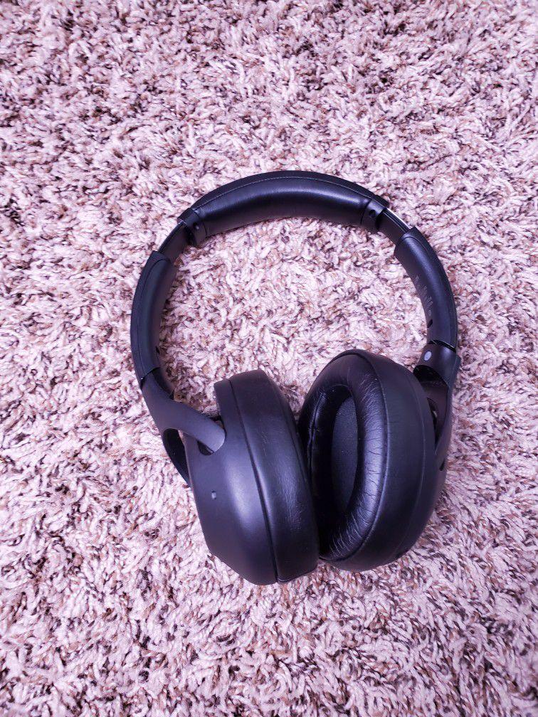 Sony Wireless Noise Canceling Bass Headphones