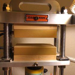 10 Ton Dabpress With Hand Pump Like New Thumbnail