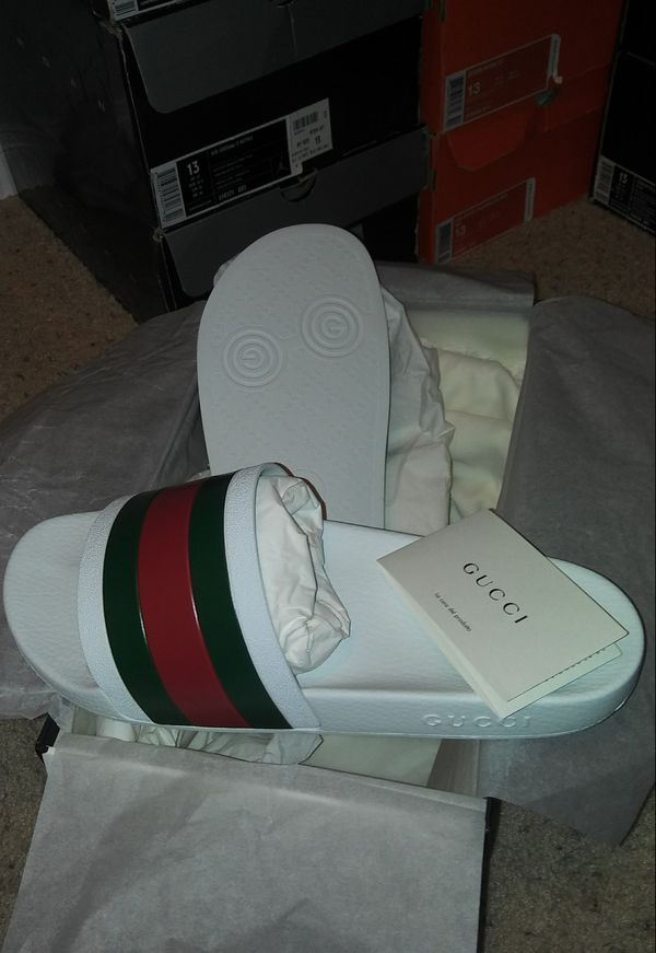 fd813825209 GUCCI 72 PURSUIT SLIDES SZ 13 GUCCI 12 100% AUTHENTIC FROM SAKS FIFTH  AVENUE BRAND NEW