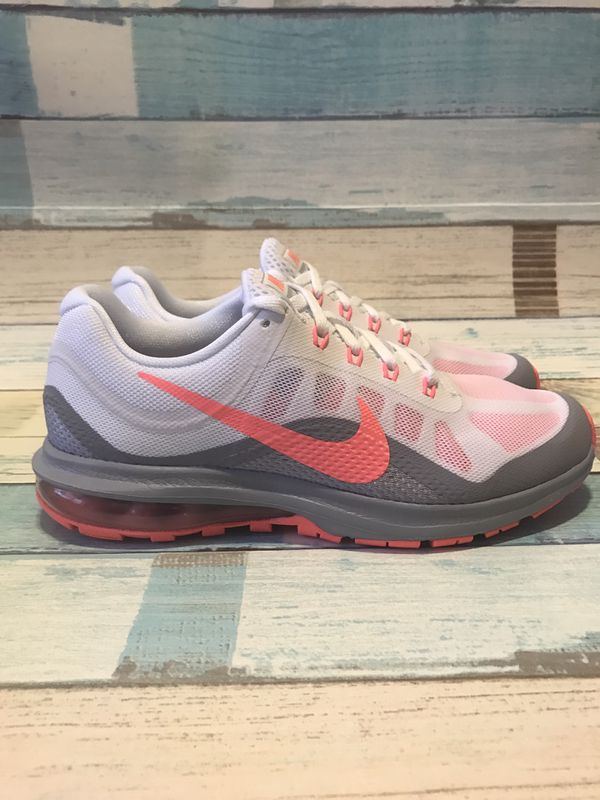 Women's Nike Air Max Dynasty 2 Running Shoes Size 8 for Sale in Newton, MA OfferUp