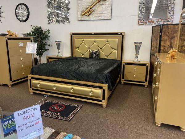 queen bedroom set queen bed dresser mirror special sale
