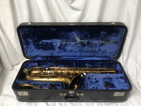 Fabulous Buffet Super Dynaction Sparkling Lacquered Tenor Saxophone For Sale In Phoenix Az Offerup Home Interior And Landscaping Analalmasignezvosmurscom