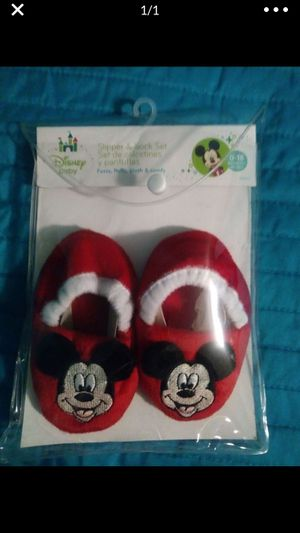 Photo New Disney baby slippers 0-18 month's does not come with socks