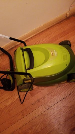 Mow Joe 14inch Electric Lawnmower for Sale in Mount Rainier, MD