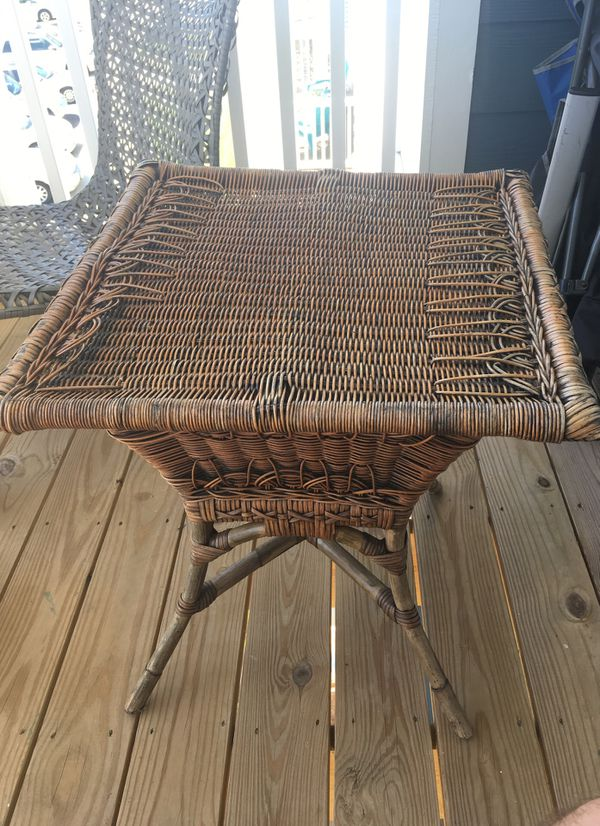 Wicker Outdoor Side Table Porch Patio Yard Furniture In Greenville Sc Offerup