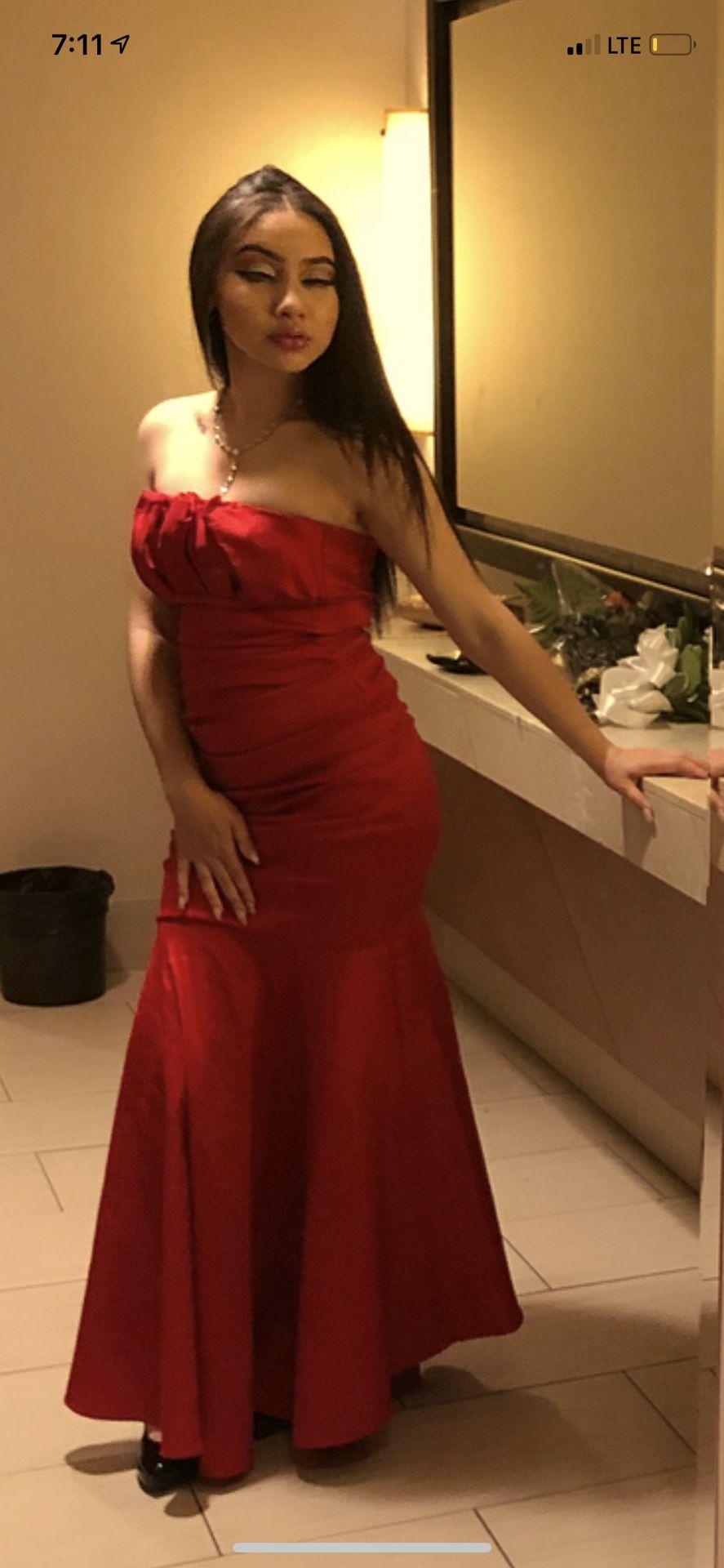 beautiful worn once prom dress