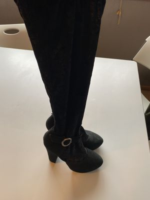 Photo Velvet under the knee boot