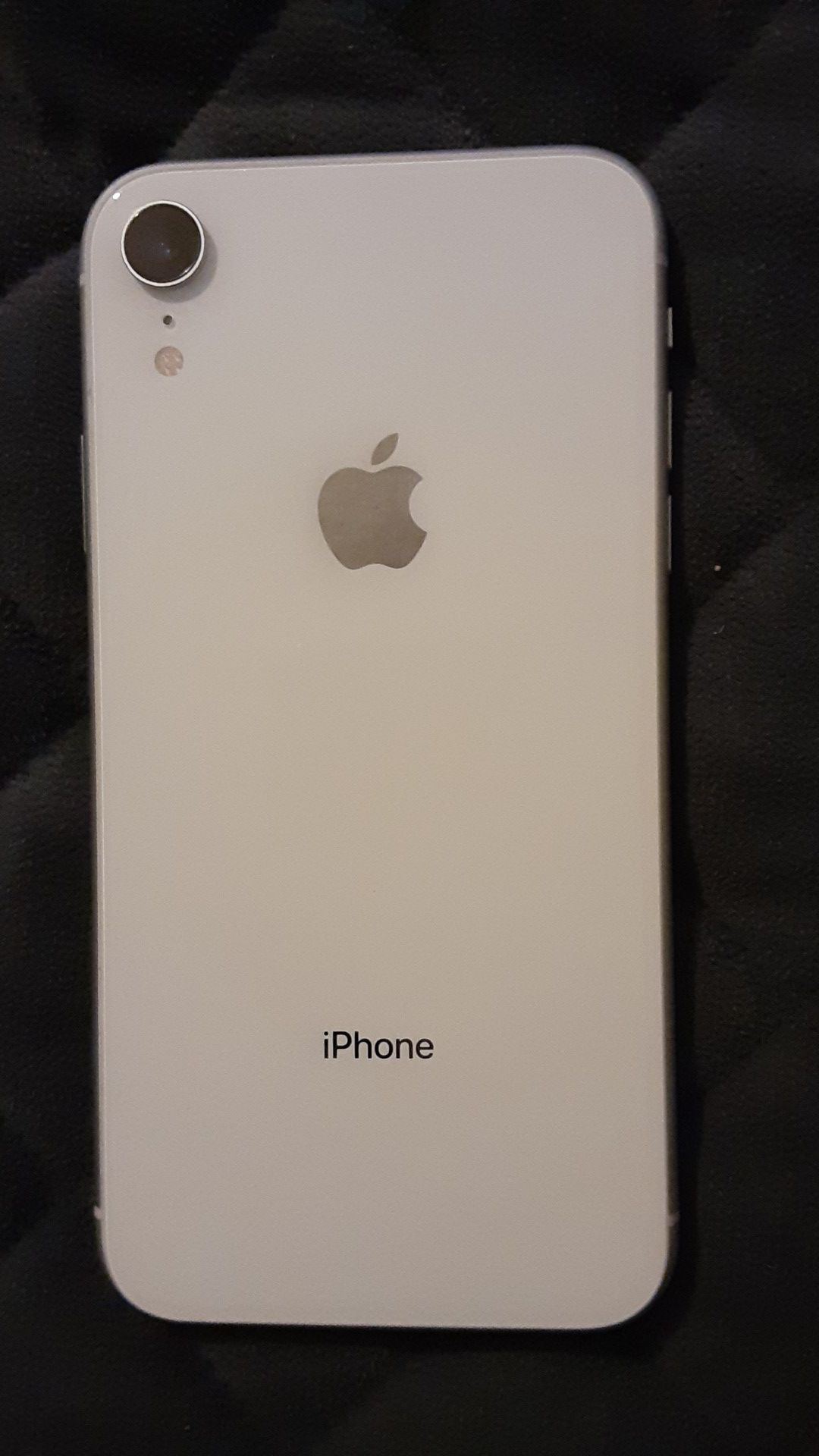 iPhone xr brand new t-mobile white in color 64gb