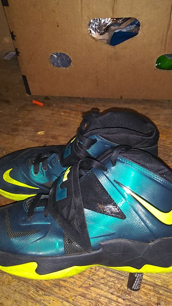3dcc342a9654b Nike - Lebron James - size - 7 for Sale in Kent