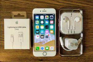 Rose Iphone 7 (4.7') UNLOCKED 128GB w/ Accessories for Sale in Arlington, VA
