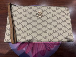 MK Wristlet for Sale in MONTGOMRY VLG, MD