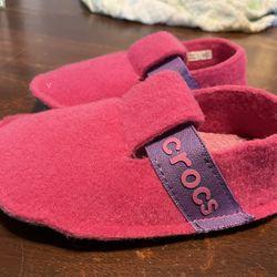 Pink Crocs Slippers Toddler (size 8)   Thumbnail