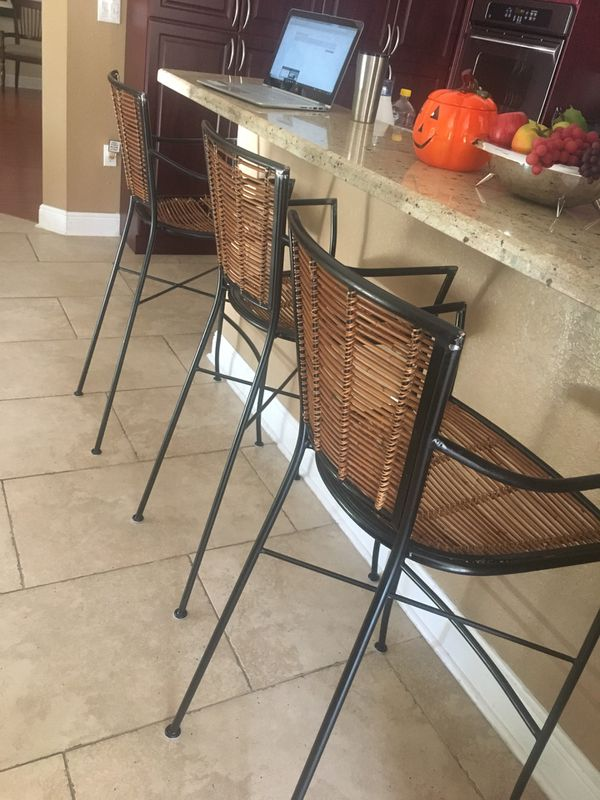 Three 30 Inch Counter Stools For Sale In Hialeah Fl Offerup