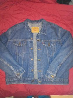 Warm up in this Men's Levi's wool lined denim jacket - Size 48 Thumbnail