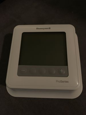 Honeywell ProSeries Thermostat for Sale in Fairmount Heights, MD