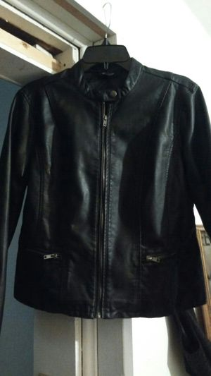 Baccini Leather Jacket size large brand new never worn for Sale in Detroit, MI