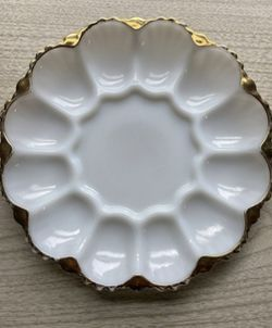 Vintage 50s-60s Anchor Hocking Fire King 22kt Gold Trim Egg Plate Thumbnail