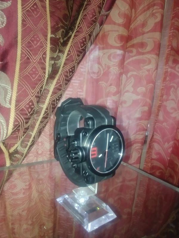 Oakley Gear box red watch for Sale in Orange, CA - OfferUp