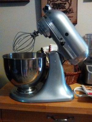 Kitchen Aid stand mixer for Sale in Rustburg, VA