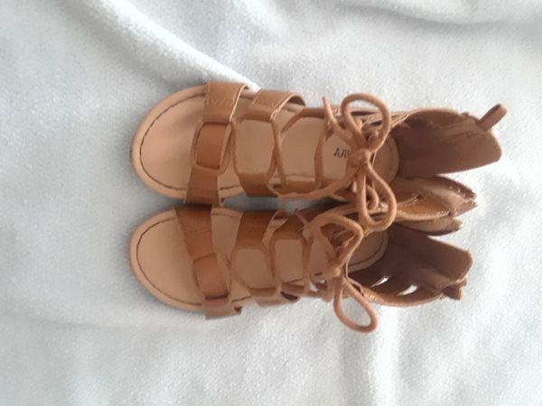 3bde41e6f56 Old Navy toddler sandals for Sale in Hemet