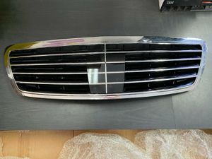 Photo 2002-2006 MERCEDES BENZ S CLASS W220 FRONT GRILLE DISTRONIC TYPE OEM A2208800683
