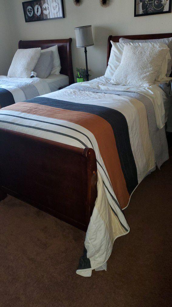 2 Twin Bedroom Set 5 Piece
