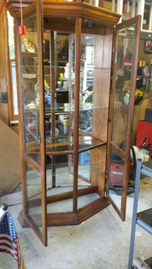 Curio cabinet for Sale in Apex, NC
