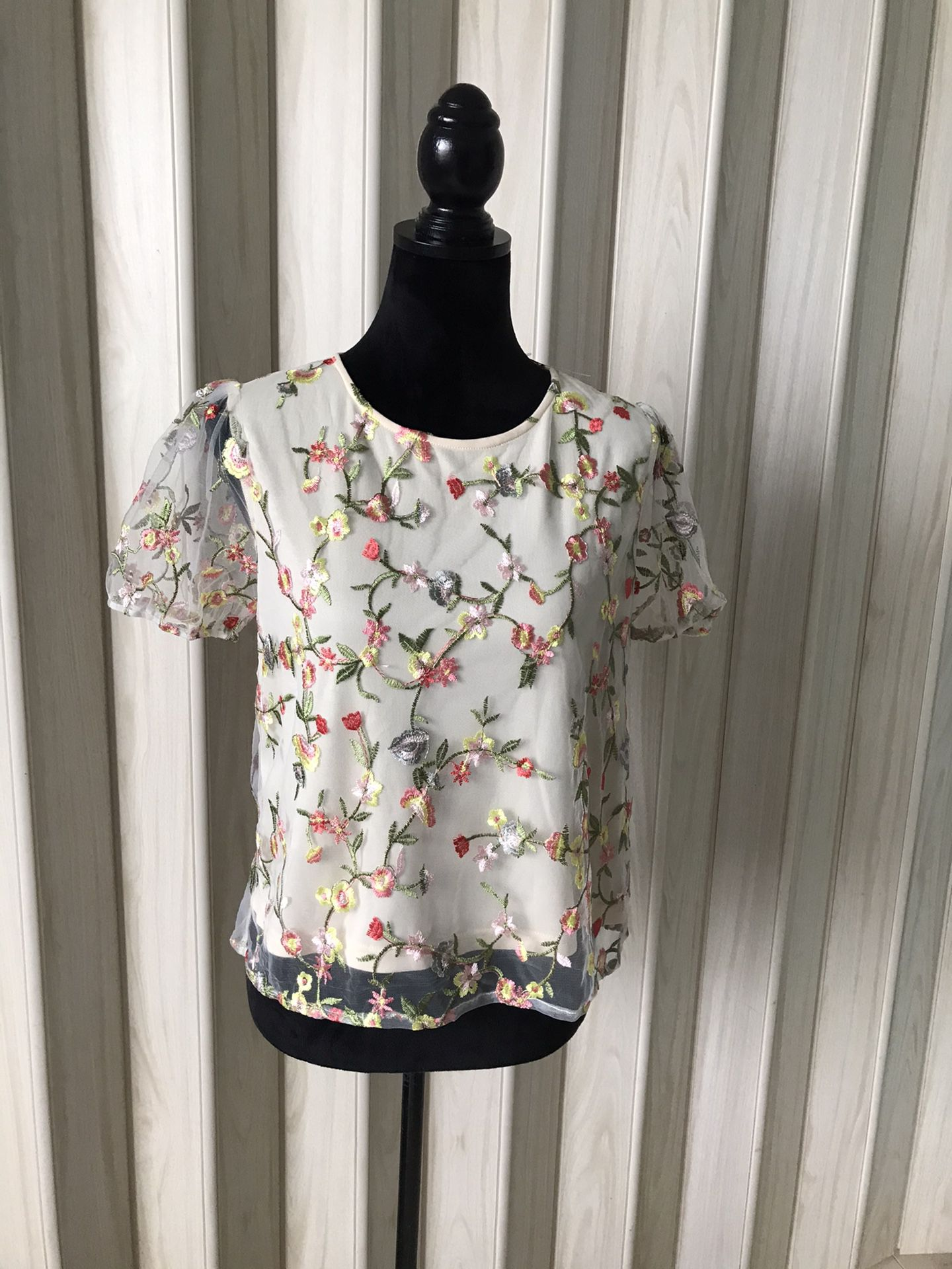 THE CLOTHING COMPANY BLOUSE SIZE M