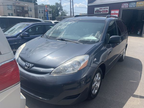 2010 Toyota Sienna LE for Sale in Albany, NY - OfferUp
