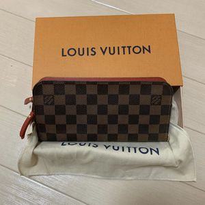Photo GOOD AS BRAND NEW LV INSOLITE WALLET