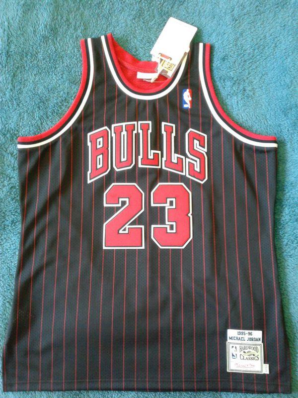 9edfeb5816c Michael Jordan The