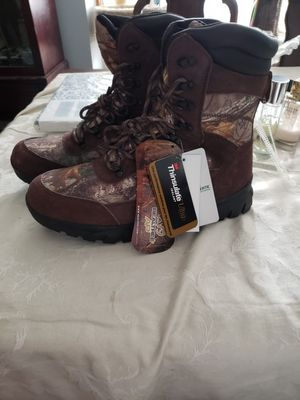Photo Mens size 13 insulated, waterproof, realtree boots