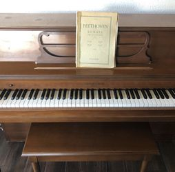 Grinnell Bros. Console Upright Piano Thumbnail