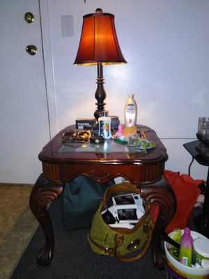 2 End Tables & 2 Lamps for Sale in TN, US