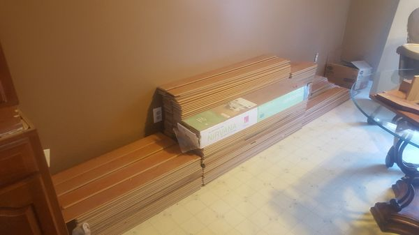Laminate Flooring With Underlayment Already Attached For Sale In