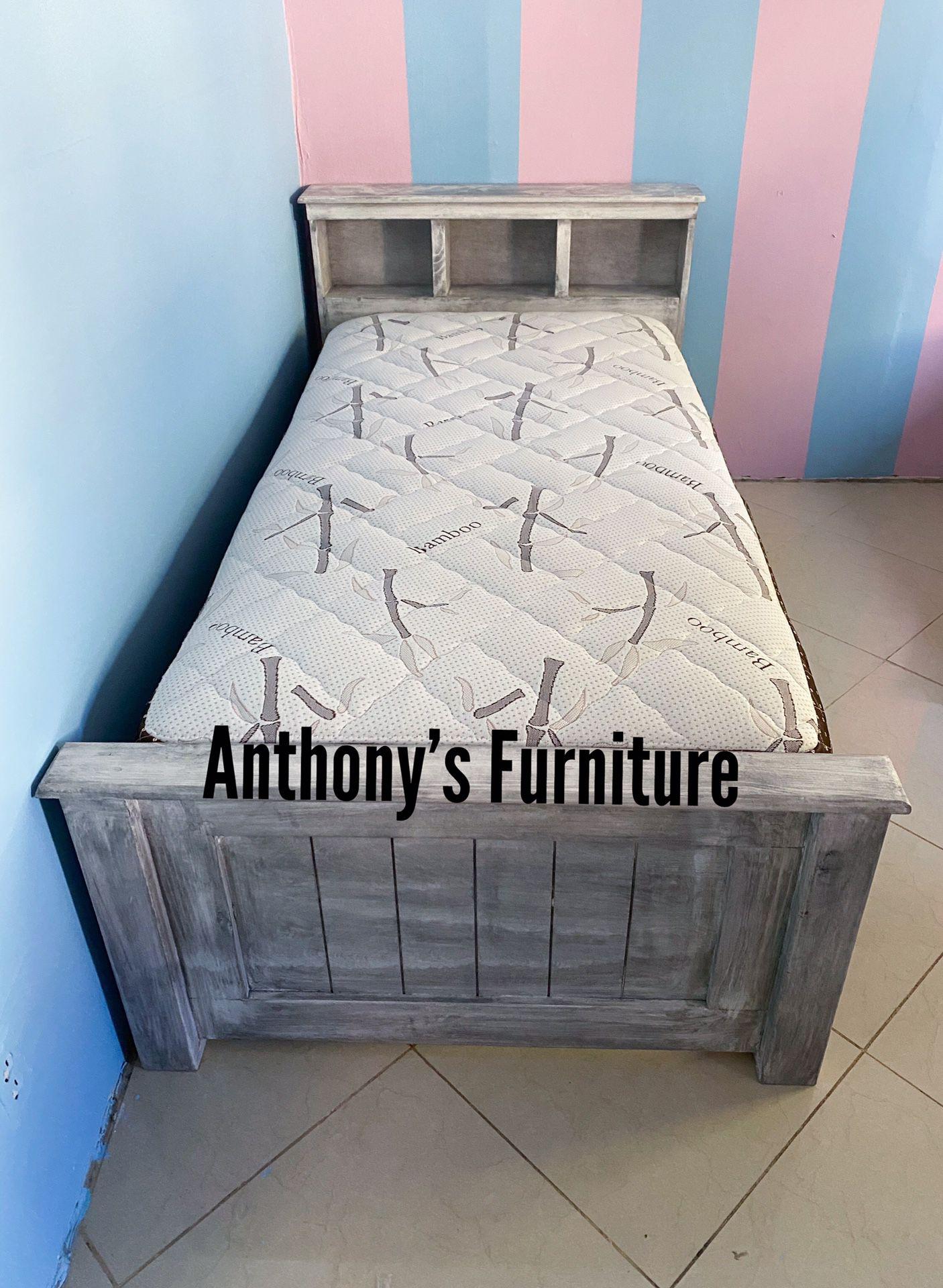 Twin bed & bamboo mattress