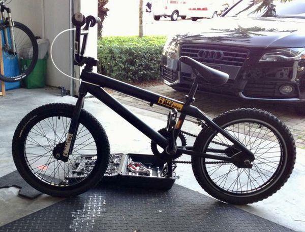 2 Hip Pork BMX Bike