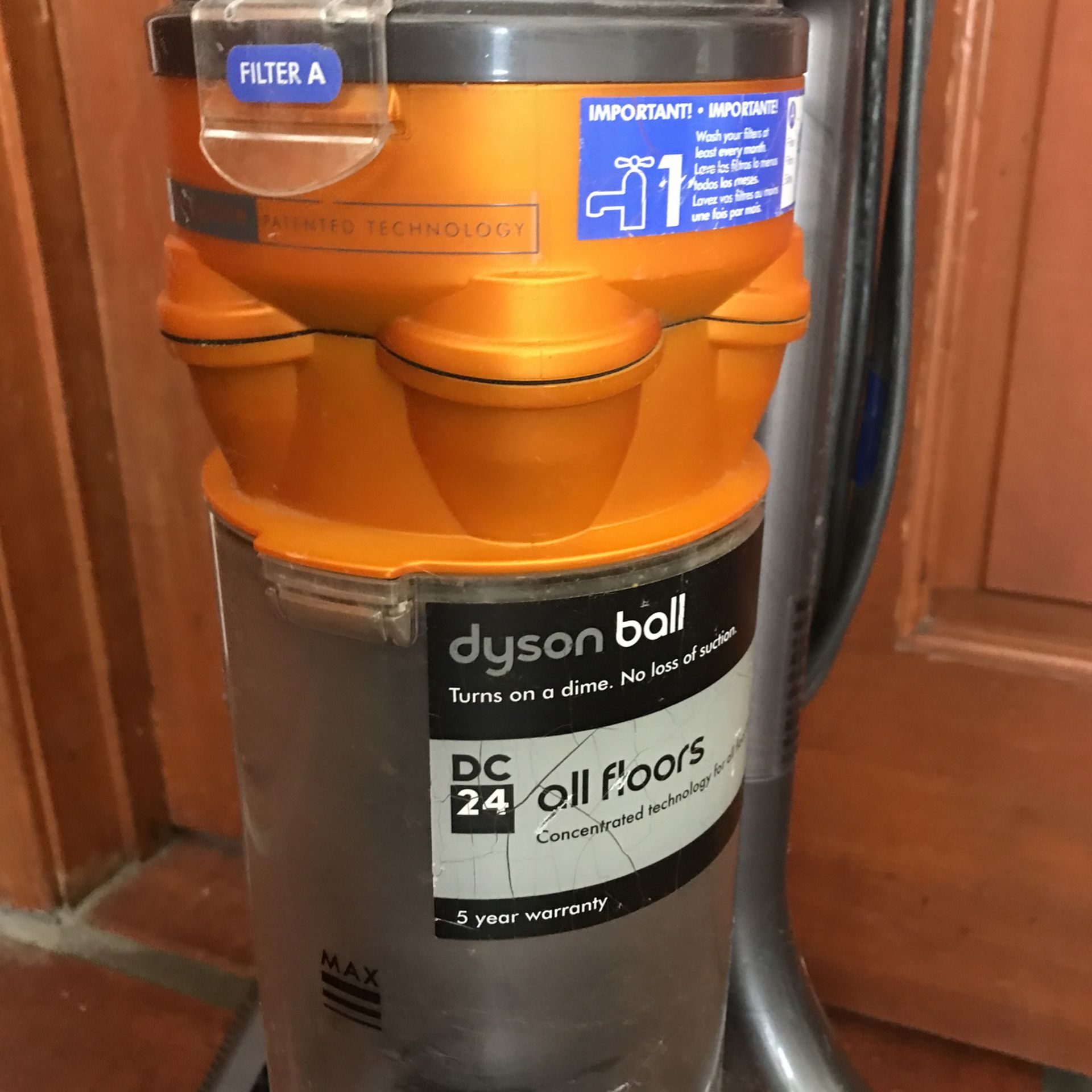 dyson ball DC24 vaccum