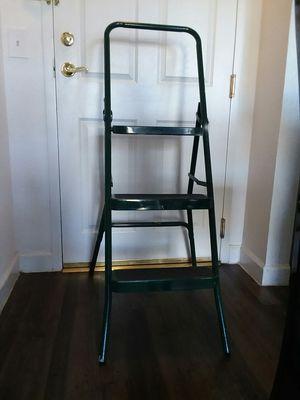 Utility 3 step ladder for Sale in Orlando, FL