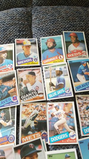 1985 topps baseball cards collection for Sale in Springfield, VA