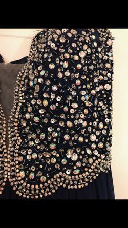 Beautiful dress Thumbnail