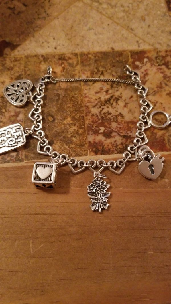 7d9d5e573f5f8 James Avery sterling silver heart link charm bracelet 6 charms for Sale in  San Antonio, TX - OfferUp