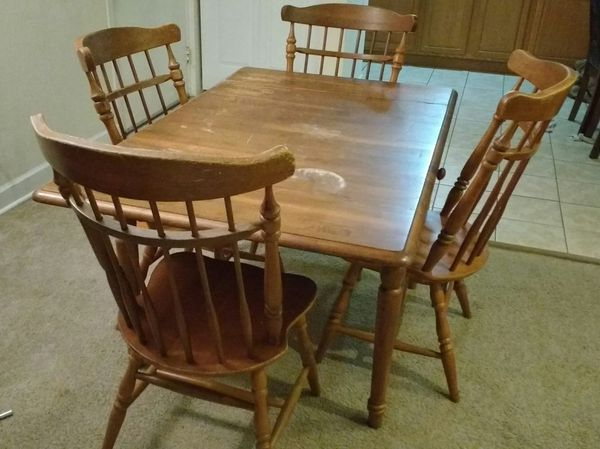 Wooden Dining Room Kitchen Table With Four Chairs Furniture In Gainesville FL