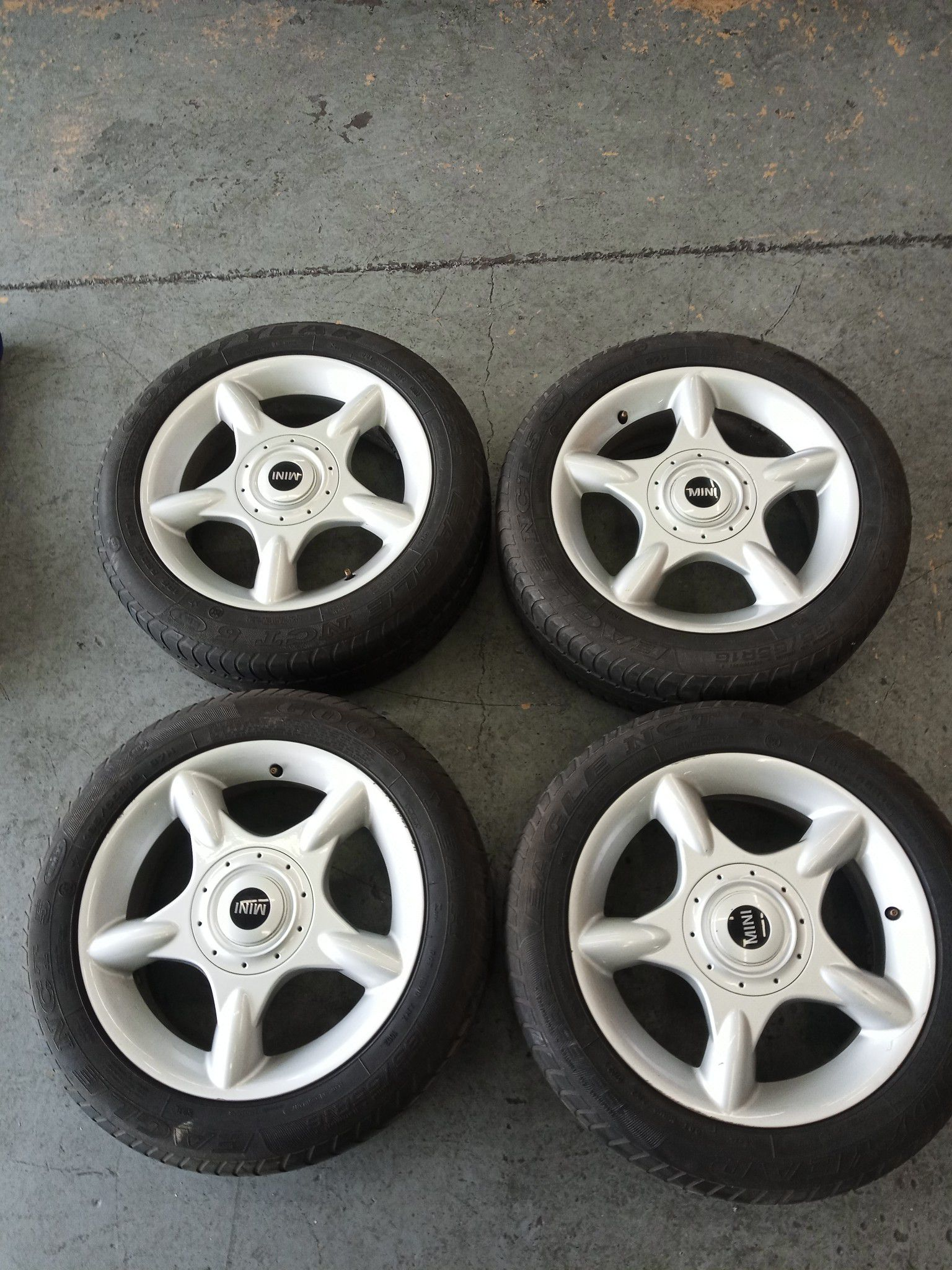 Mini Cooper wheels and tires 16 inch