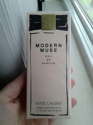 Photo Brand new 50ml Estee Lauder perfume for women.