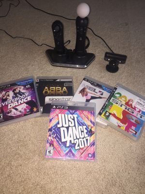 just dance 2017 + karaoke and motion controllers. for Sale in Springfield, VA
