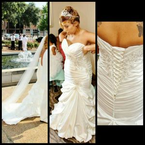 Wedding Dress With Train And Cathedral Vail For Sale In Pensacola FL