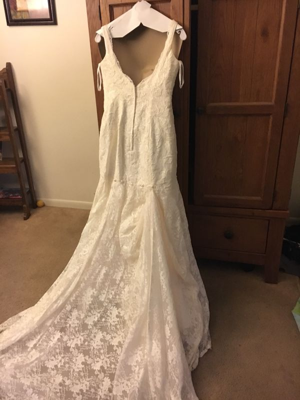 Wedding gown - Davids Bridal (Clothing & Shoes) in Des Moines, IA ...