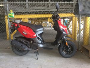 2016 Roughhouse 50cc Scooter for Sale in Tampa, FL